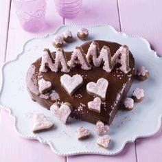 Wunderbare Muttertags-Rezepte von Dr. Oetker warten nur darauf, von Ihnen entdeckt zu werden. Überraschen Sie Ihre Mutter zum Beispiel mit einem leckeren Muttertagsherz.