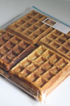 Homemade waffles that you can freeze for what? You guessed it - the toaster. Healthier and cheaper than store-bought waffles. We made this recipe and loved it. Make Ahead Freezer Meals, Freezer Cooking, Batch Cooking, Waffle Iron Recipes, Freezer Recipes, Frozen Waffles, Kodiak Cakes, Waffle Cake, Frozen