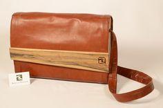Große Tasche aus Känguruleder Messenger Bag, Bags, Fashion, Leather, Handbags, Moda, Fashion Styles, Fashion Illustrations, Bag