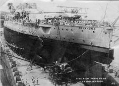 USS Arizona at Pearl Harbor before Pearl Harbor Casualties, Uss Oklahoma, Model Warships, Us Battleships, Uss Arizona, Big Guns, Navy Ships, Us History, Yahoo Images