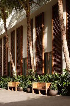 100 Fun Backyard Landscaping Idea How About An Exotic, Tropical Backyard Resort 100 - topzdesign . Modern Tropical House, Tropical House Design, Tropical Backyard, Tropical Houses, Backyard Landscaping, Fun Backyard, Tropical Architecture, Windows Architecture, Hotel Design Architecture