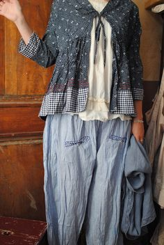 Mlle Bleuet : tout simplement petite veste liberty et panty vichy...