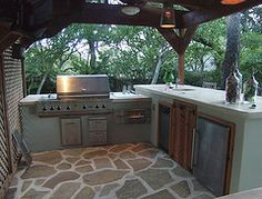 Une cuisine d'extérieur, est-ce un luxe? La cuisine de jardin permet de profiter…