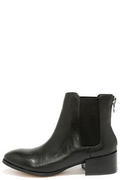 Steve Madden Jodpher Black Leather Chelsea Boots at Lulus.com!