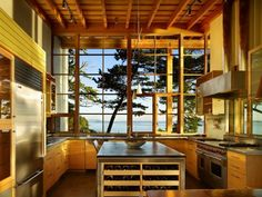Top 10 Kitchens with Gorgeous Views ... I love the pacific northwest one