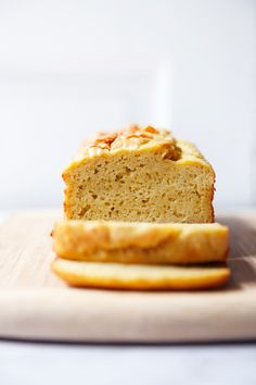 This easy-to-make super popular paleo bread recipe has the perfect texture and is such a satisfying grain-free, gluten-free, dairy-free bread. Easy Keto Bread Recipe, Easy Cake Recipes, Bread Recipes, Keto Recipes, Baking Recipes, Healthy Recipes, No Bread Diet, Best Keto Bread, Dairy Free Bread