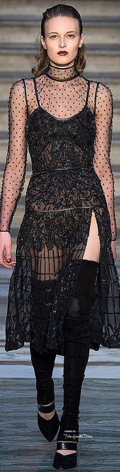Julien Macdonald - F 15 High Fashion, Fashion Show, Womens Fashion, Fashion Walk, Fashion 2014, London Fashion, Runway Fashion, Fall Fashion, Julien Fournié