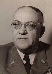 Theodor Morell (22/07/1886-26/05/1948) De lijfarts van Hitler. Hij heeft veel geneesmiddelen en drugs aan Hitler gegeven. Hitler vertrouwde hem steeds meer ondanks de kritiek op de methodes van de arts van iedereen. Vanaf 1940 begon hij steeds schadelijkere producten als geneesmiddelen aan Hitler te geven. Hij gaf hem telkens meer medicijnen, aan het einde van de oorlog waren het uiteindelijk 28.