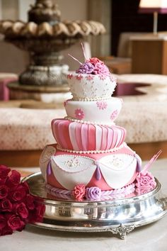 Weddings Wedding Cakes Photos on WeddingWire