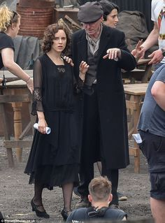Aidan Gillen is seen on set of Peaky Blinders for the first time Gripping: Sophie was joined by co-star Packy Lee - who plays Johnny Dogs - for the gripping scene Ada Peaky Blinders, Peaky Blinders Costume, Peaky Blinders Dress, Peaky Blinders Series, 20s Fashion, Vintage Fashion, Peeky Blinders, Gatsby, Aidan Gillen