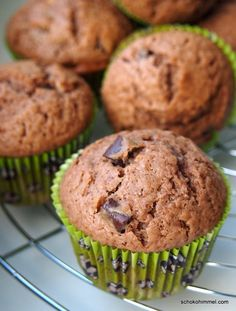 Nut nougat muffins with extra thick chocolate pieces - made super fast, sup . - Muffins und so - Doughnut Recipes Dessert Cake Recipes, No Bake Desserts, Muffin Recipes, Cookie Recipes, Nutella Muffins, Nutella Recipes, Baked Donuts, Healthy Muffins, Baking Cupcakes