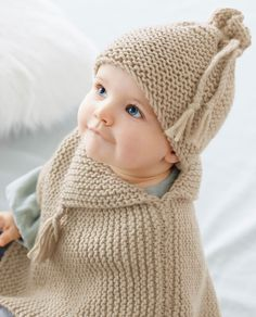 Modèle Poncho Bébé Benny Phil Partner 6 - Modèles Layette • Phildar Crochet Baby Sweaters, Knitted Hats, Knit Crochet, Crochet Hats, Knitting For Kids, Baby Knitting, Baby Barbie, Baby Pullover, Baby Cocoon