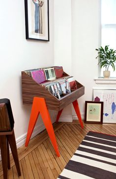 Atocha-Design-Orange-Stand-living