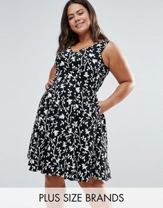 Buy it now. Closet Plus Skater Dress In Floral Print - Black. Plus-size dress by Closet Plus, Smooth woven fabric, Contains stretch for comfort, Printed design, V-neck, Zip-back fastening, Regular fit - true to size, Machine wash, 97% Cotton, 3% Elastane, Our model wears a UK 16/EU 44/US 12 and is 173cm/5'8 tall. ABOUT CLOSET PLUS Designing and producing a covetable collection of day to night dresses in the heart of London, Closet transcends seasons to bring you fashion-forward pieces that…