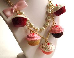 Statement Necklace Pink Cupcake Necklace by FatallyFeminine Kawaii Accessories, Fashion Accessories, Fashion Jewelry, Women Jewelry, Jewelry Stores Near Me, Best Jewelry Stores, Glitter Crafts, Pink Cupcakes, Polymer Clay Charms