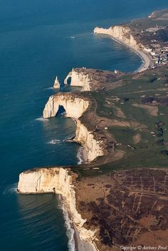 ✈️ Photo aérienne de : Etretat - Seine-Maritime (76)
