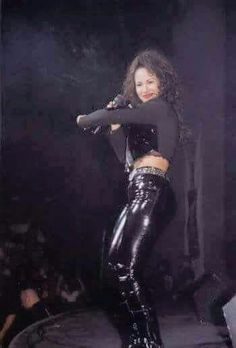Photo of Selena for fans of Selena Quintanilla-Pérez 15426599 Selena Quintanilla Perez, Selena And Chris, Selena Selena, Selena Mexican, Selena Pictures, Aaliyah, Role Models, My Idol, American Singers