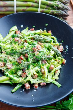 Asparagus Noodle Carbonara Side Dish Recipes, Pasta Recipes, New Recipes, Cooking Recipes, Favorite Recipes, Healthy Recipes, How To Cook Asparagus, Asparagus Recipe, Asparagus