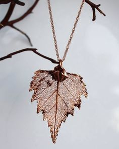 Real leaf Jewelry, Bright Copper / Rose Gold Birch leaf pendant necklace, Bridal, Wedding jewelry, B Leaf Jewelry, Cute Jewelry, Wedding Jewelry, Beaded Jewelry, Jewelry Accessories, Jewelry Necklaces, Jewelry Design, Unique Jewelry, Diy Jewelry