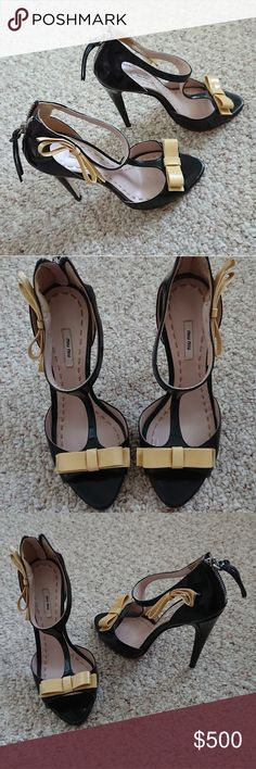 37c7d6182e Miu Miu Patent Leather yellow sweet Bow Sandals
