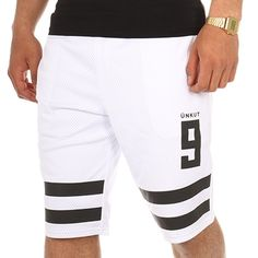 Mens White Shorts, Mens Cotton Shorts, Style Costume Homme, Cricket Equipment, Knit Shorts, Mens Fashion Suits, Fashion Sewing, Short Outfits, Pulls