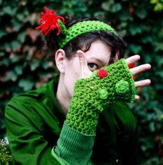 Ogre wrist warmers. O.K., Sheila, I really do need a pair of these and the headband for Quinn.  Help a cousin out.....