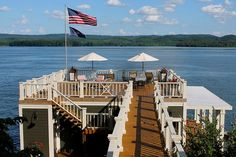 20 Dreamy Beach-Style Decks for a Relaxing Staycation Deck Railing Design, Deck Design, House Design, Rooftop Design, Cottage Design, Beach House Deck, Dock House, Lake Dock, Boat Dock