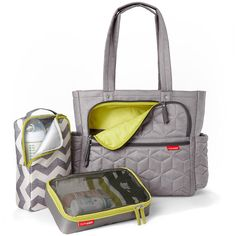 Bolsa Maternidade Diaper Bag Forma Pack & Go Tote Grey Skip Hop Boy Diaper Bags, Large Diaper Bags, Diaper Bag Backpack, Baby Changing Bags, Baby Accessories, Baby Items, New Baby Products, Purses, Pregnancy