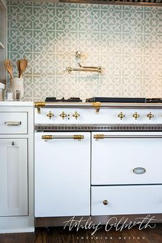 A simple, non digital white Lacanche stove is just a workhorse that looks elegant while it does its job. Kitchen Time, Family Kitchen, Kitchen Nook, Kitchen Backsplash, Country Kitchen, New Kitchen, Kitchen Decor, Kitchen Ideas, French Kitchen