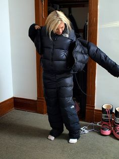 i have the jacket thats the full artic suit for real cold snow weather! i have the jacket thats the full artic suit for real cold snow weather! Fall Fashion Outfits, Winter Fashion, Parka Outfit, Down Suit, Winter Suit, Snow Outfit, Puffy Jacket, Down Parka, Nylons