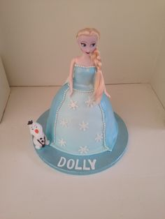 Elsa Frozen cake by Boutique Bakehouse www.boutiquebakehouse.co.uk