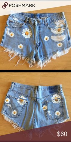 First of a kind floral Levi's Shorts W34 L30 in Levi's ~would fit a 30-31~! Only worn once with vintage look! LF Shorts Jean Shorts