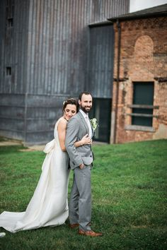 This Baltimore Mt Washington Mill Dye House wedding was full of personal details and DIY creations made by the bride, her family and friends.