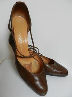 CHARLES JOURDAN Escarpins http://www.videdressing.com/escarpins/charles-jourdan/p-2773019.html?&utm_medium=social_network&utm_campaign=FR_femme_chaussures_escarpins_2773019