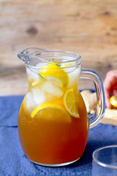 Lemon Iced Tea - With it's rich, golden color and sweet, bright flavor this refreshing tea a perfect addition to your summer table. Lemon Iced Tea Recipe, Iced Tea Recipes, Fruit Recipes, Homemade Iced Tea, Making Iced Tea, The Fresh, Fresh Fruit, Yummy Food, Fun Food