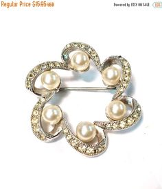 HOLIDAY SALE Silver Wreath Brooch Vintage silver Tone Circle Pin with pearls and rhinestones