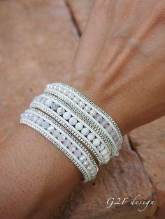 White mix wrap bracelet with chain, Boho bracelet, Bohemian bracelet, Beadwork bracelet Wickelarmband aus weißem Mix mit Kette Boho Armband Bohemian Bracelets Wrap En Cuir, Bracelet Wrap, Bead Loom Bracelets, Bracelet Making, Jewelry Making, Gold Bracelets, Gold Earrings, Vintage Earrings, Zipper Bracelet
