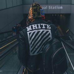 "660 Me gusta, 3 comentarios - Style Killerz (@style.killerz) en Instagram: ""White x bape . @didierbecker . . . . . . . . .the gang  . @outfit_boy . @blvckxstreet…"""