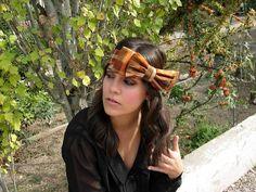Anne Poupée: bohême. Banda tipo lazo estampada. #tocados #novias #invitadas #bandas Printed, Headpieces, Bands