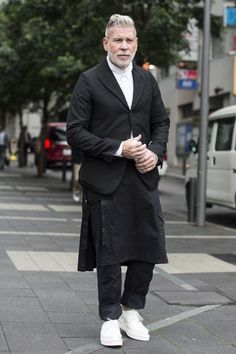 http://hommeporte.tumblr.com/post/132740650712/billy-george-nick-wooster-in-tokyo