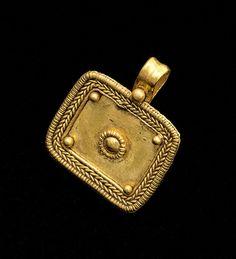 Rectangular shaped pendant                                                                                                                                                                                                                                      Gold. Roman, 1st Century AD.