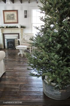 FARMHOUSE 5540: Galvanized Container - Christmas Tree Stand