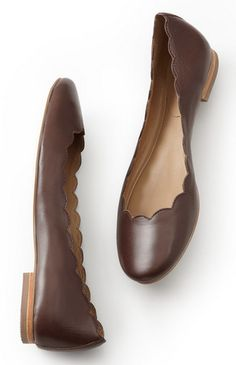 scalloped ballerina flats  http://rstyle.me/n/wapjapdpe