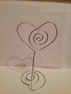 10 Heart Wedding Wire Place card Holder self Standings Base | bitspeaces - Wedding on ArtFire