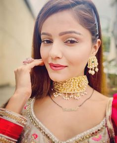 Gauhar Khan, Radhika Madan, Yeh Hai Mohabbatein, Indian Show, Tv Actors, Smile Face, Beauty Queens, Indian Actresses, Blouse Designs
