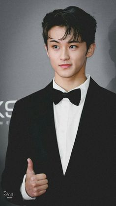 Nct 127 Mark, Mark Nct, Lee Min Hyung, Couple Pictures, Jaehyun, Nct Dream, Fangirl, Kpop, Mars