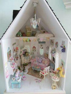 Shabby chic dollhouse.