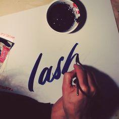 Tasha for @thecolouringbox #brushlettering #script by #ottobaum #tasha #freehand #handmadefont #handlettering #mackbrush #makeyourownsign #berlin