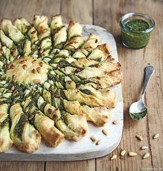 Découvrez notre recette simple et rapide de tarte soleil au pesto. Idéale pour l'apéritif, cette délicieuse tarte est synonyme de convivialité !