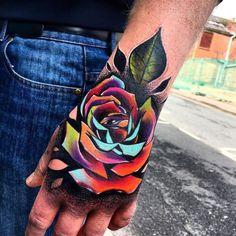 hand rose tattoo © tattoo artist Little Andy 💗🌹💗🌹💗🌹💗 Tattoos 3d, Badass Tattoos, Trendy Tattoos, Finger Tattoos, Body Art Tattoos, Sleeve Tattoos, Cool Tattoos, Best 3d Tattoos, Warrior Tattoos
